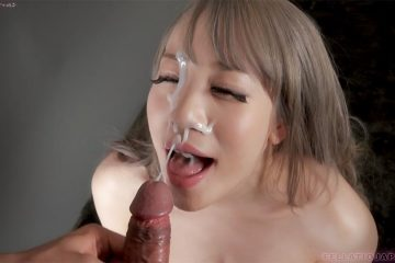 Japanese girl Airi Mashiro gets facial cumshot